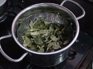 合計3分間蒸す:柿の葉茶の作り方